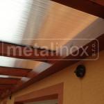 Drevený prístrešok s krytinou lexan
